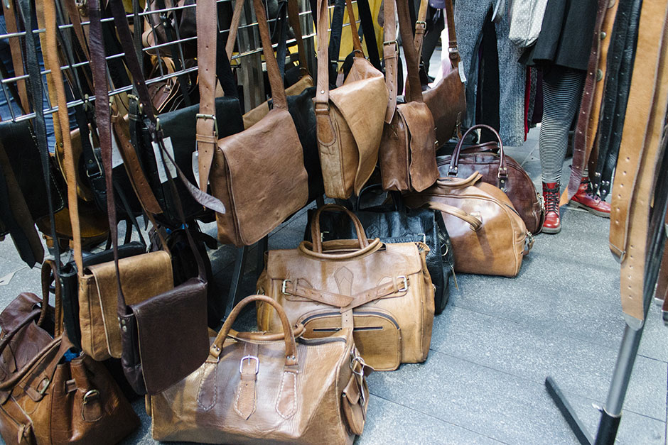 amazing leather bags... ohhhh.