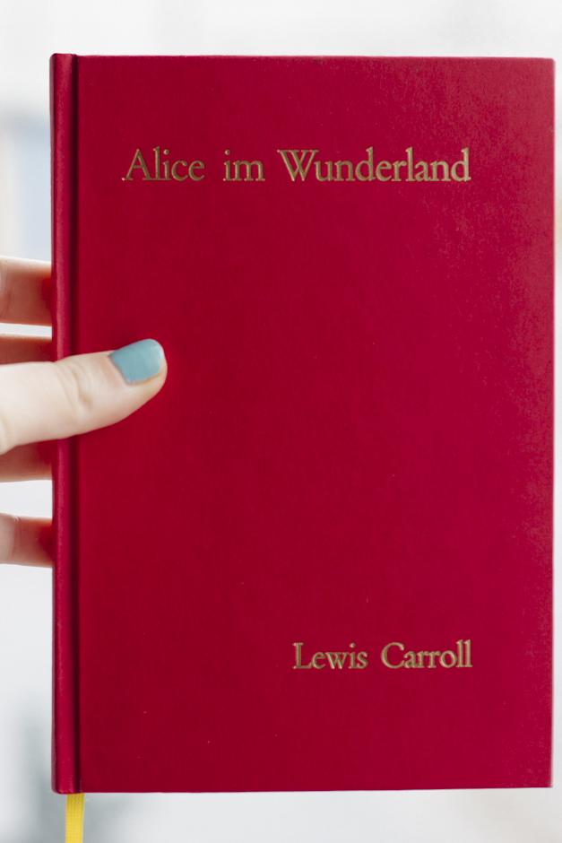 my book all finished! Alice Im Wunderland (auf Deutsch of course)