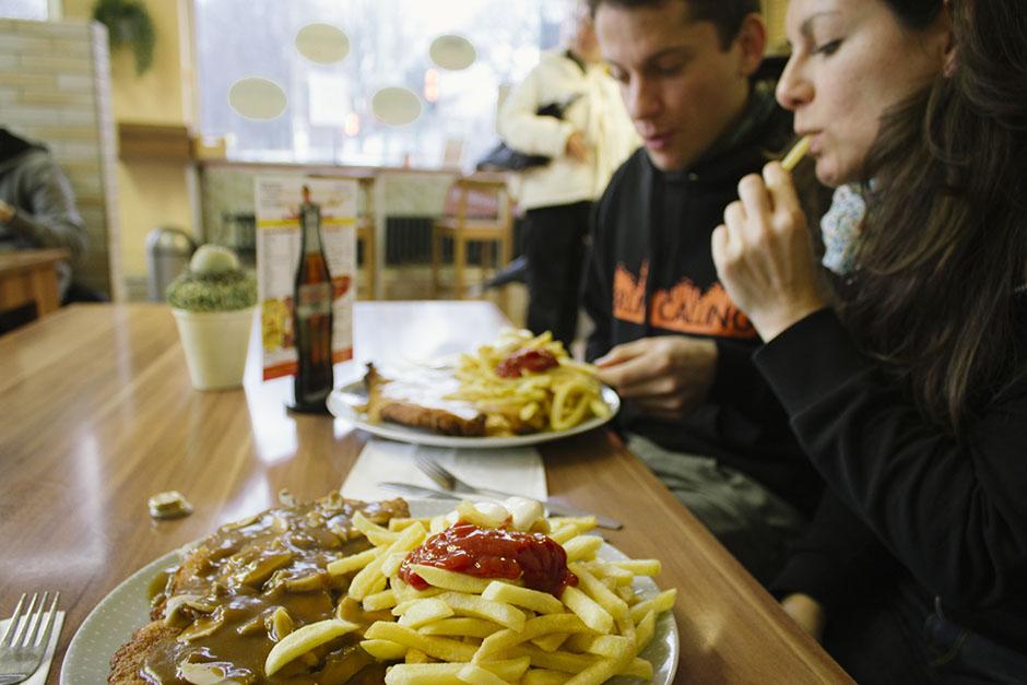 Rachel Walker. Schnitzel in a Schnellrestaurant.04