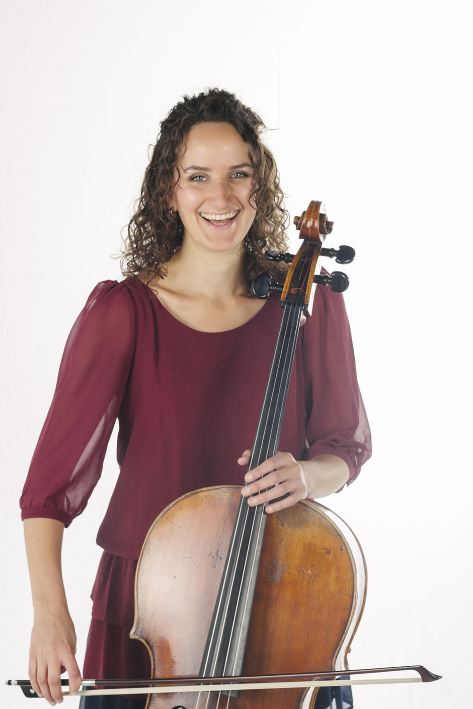 Rachel Walker. Samira Aly - cellist. 01a