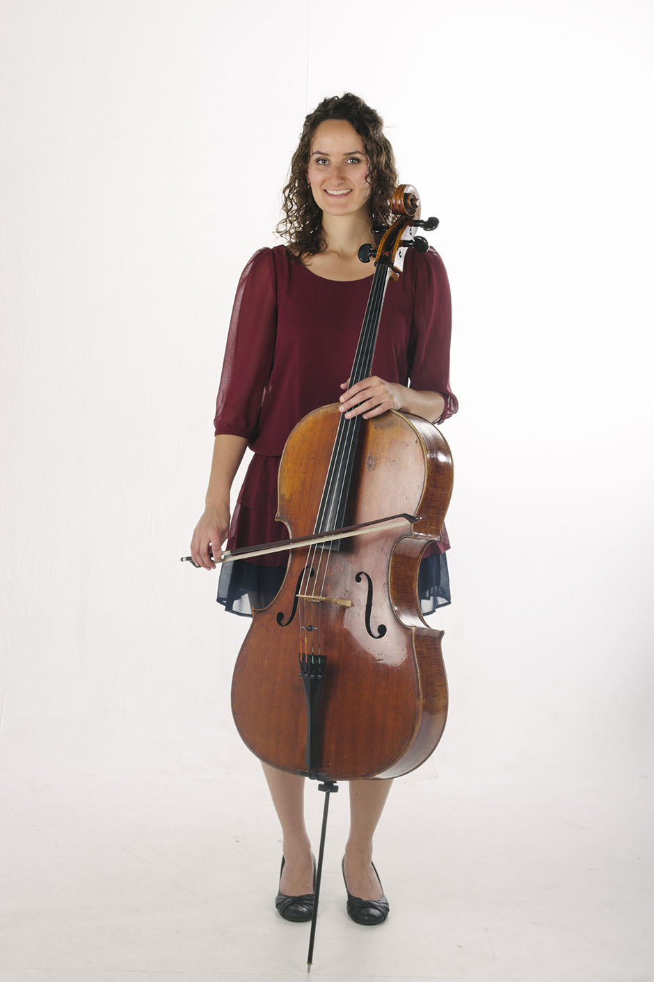 Rachel Walker. Samira Aly - cellist. 01b