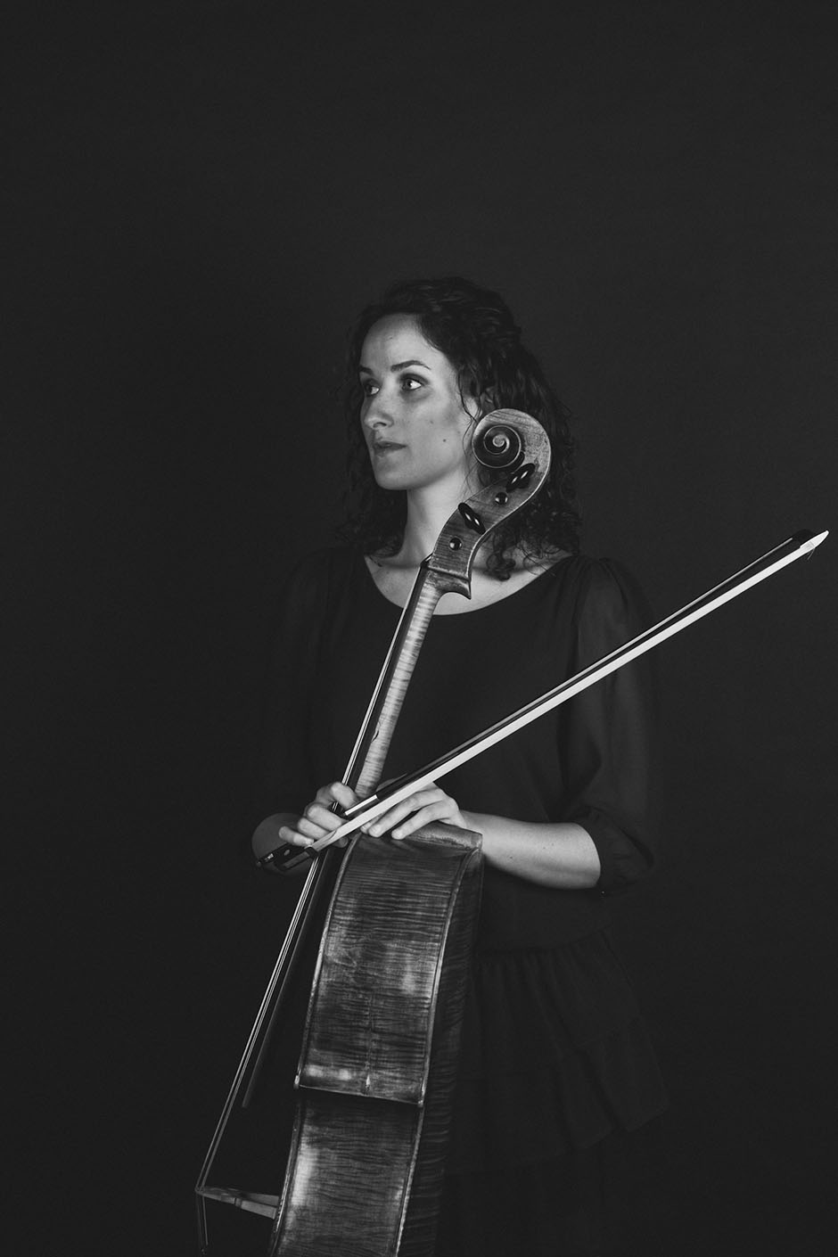 Rachel Walker. Samira Aly - cellist. 02